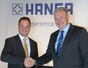 Georgios Kabitoglou (li.), neuer Chief Business Officer für HANSA, und Pekka Kuusniemi (re.), President und CEO der Oras Group. Foto: Hansa Armaturen GmbH
